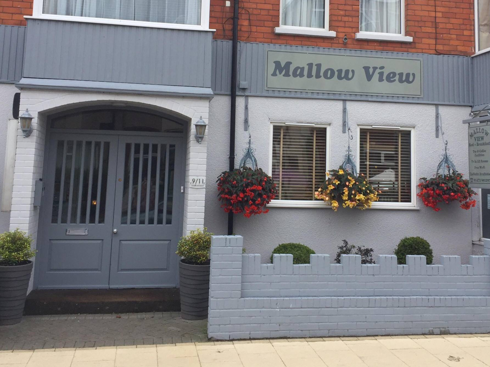 Front view of Mallowview Hotel